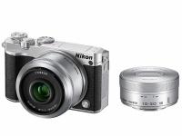 Nikon ミラーレス一眼 Nikon1 J5 ダブルレンズキット シルバー J5WLKSL(「Amazon HP」より)