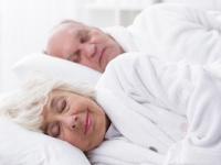 レム睡眠時間が1%低下するごとに認知症リスクが9%高まる(depositphotos.com)
