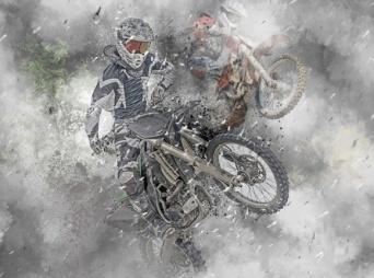 バイク乗りが落雷で絶命。なぜゴム製のタイヤは彼を守ってくれなかったのか?(アメリカ)
