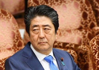 安倍首相(毎日新聞社/アフロ)