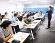 講義を行う米田氏