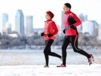 冬こそ有酸素運動で脳を活性化!(shutterstock.com)