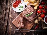 じつは肉や油は太りにくい(depositphotos.com)