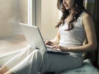 ぶっちゃけ副業している? 20~30代の女性が効率よく稼いでいる方法は?