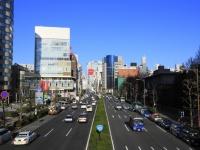南青山五丁目青山通りから Thinkstock/Photo by TAGSTOCK1