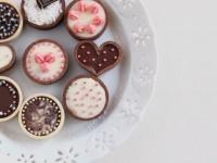 チョコは手作りor買う? 多数派だったのは……女子大生の2017バレンタイン事情