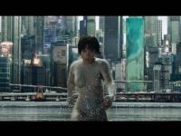 おかっぱヘアの少佐を演じたスカーレット・ヨハンソン。体にぴったりフィットした白いボディスーツがエロい!