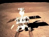 月面走行を開始した直後の玉兔2号(提供=CNSA)