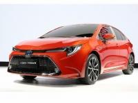 広州モーターショーで発表されたトヨタ自動車の「新型カローラセダン(スポーティモデル)」(「トヨタ 新型カローラ セダン・ワゴン | REBORN, THE NEW COROLLA.」より)