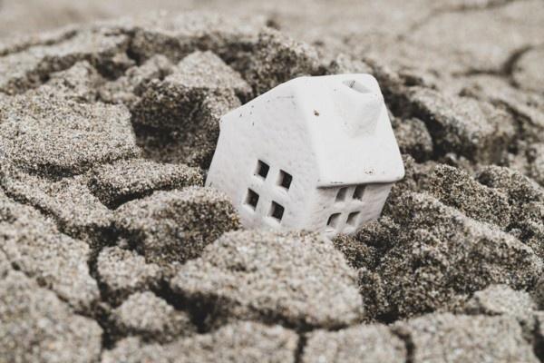 地震前に現れる地下の電場異常は地震予知に役立つ可能性
