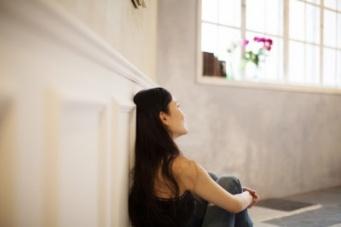 年収180万円の実家住まい女子が一生独身を決意。マンションは買うべき?