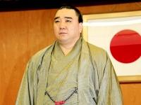 引退会見を行う日馬富士(写真:日刊現代/アフロ)