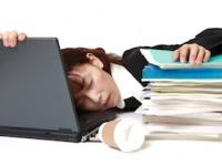 なぜ日本人は居眠りが大好きなのか?(shutterstock.com)