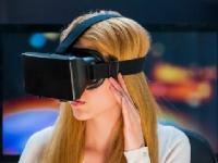 子どもへの使用に注意したいヘッドマウントディスプレイshutterstock.com