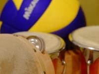 【明日から使える雑学】 バレーボールの色はいつから「青と黄色」になったの?