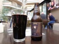 ビールの中でも、より健康に良いかもしれない黒ビール(撮影=筆者)
