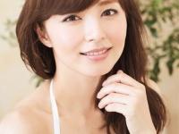 フォトエッセイ 『 みんなの知ってる伊藤さん、みんなの知らない綾子さん。 』