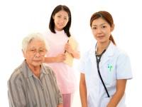 介護の現場が「施設」から「在宅」へ(depositphotos.com)