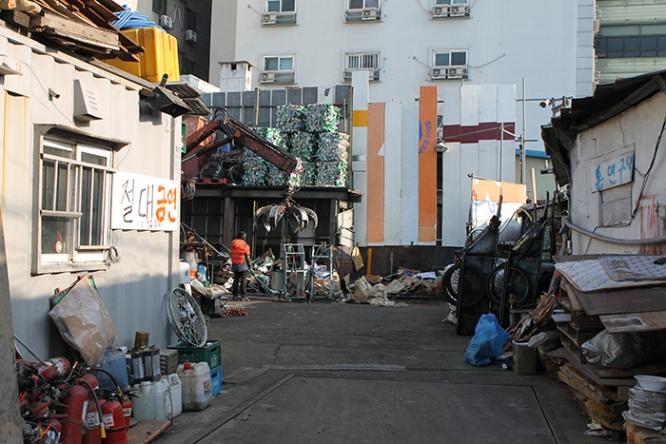 西成×歌舞伎町な激ヤバスポット…韓国最大のドヤ街に行ってみ ...