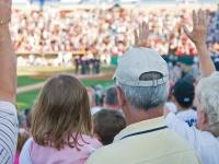 男子大学生が女子と一緒に観戦に行きたいスポーツTop5! 1位は野球
