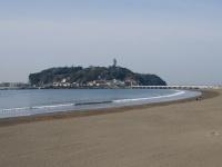 湘南海岸と江の島(「Wikipedia」より)