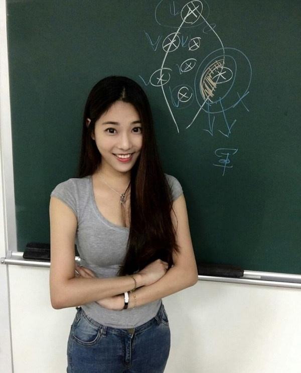 台湾の美人講師