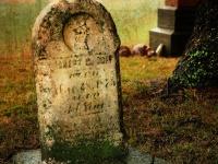 画像は、jimmy brown / Grave Encounter (from Flickr, CC BY 2.0)