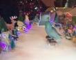 インコのスケートボーダーに注目!華麗なドロップインを披露するマメルリハ