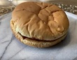 これが20年物のハンバーガーだ!今も缶に入れて保管されているマクドナルドのハンバーガー(アメリカ)