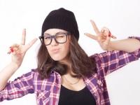 漫画でよくある設定「メガネを外したら美人」、現実でもありえると思う男子は約6割!