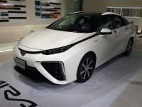 トヨタ自動車の燃料電池車MIRAI(「Wikipedia」より)