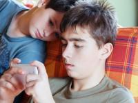 スマホゲーム依存の患者の多くは未成年(depositphotos.com)