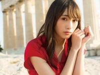 欅坂46・渡辺梨加 1st写真集『タイトル未定』(集英社)