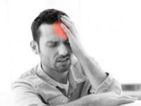 頭痛の急性期の鎮痛薬とは?(shutterstock.com)