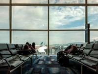 新型コロナウイルスが怖くて搭乗できず。空港に3か月住み着いていた男性がついに逮捕(アメリカ)