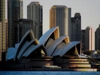 シドニーで行われた「戦争の遺産」をテーマにした番組に出演