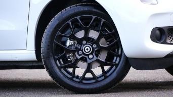 タイヤワックスは劣化の原因?何を選んだらいいの?