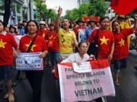 ベトナムで行われた、中国が実効支配する西沙諸島の領有権を主張するデモ
