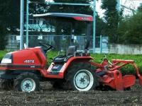 クボタのトラクター(「Wikipedia」より)