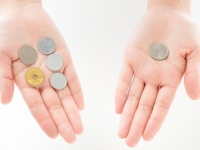 20代の貯金って平均どれくらい? 貯まらない人におすすめの方法とは