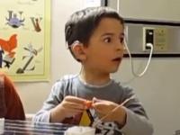 耳の不自由な少年が初めて音を聴いた時の反応にSNSユーザーら、画面が涙で見えなくなる