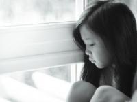 小中学生に占める不登校の割合は1.2%(shutterstock.com)