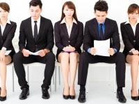 待合室で一緒になった就活生には話しかける? 話しかけない? 就活経験者の多数派は……