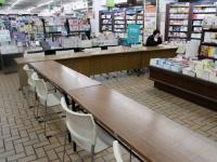 「誰よりも早く村上春樹さんの新刊を本屋で徹夜して読む会」の様子