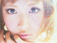 「Saeko One&only 「私は私」。ルールに縛られない、おしゃれな生き方」より