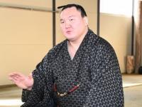 大相撲春場所番付発表会見での白鵬(写真:日刊スポーツ/アフロ)