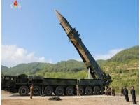 北朝鮮が発射したICBM(提供:KRT/AP/アフロ)