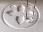 見ているだけで気持ちいい!ワイヤーが発泡スチロールを様々な形に切り出す映像。