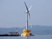 福島沖の浮体式洋上風力発電の風車