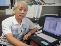 獣医公衆衛生学の専門家である岡本嘉六・鹿児島大学名誉教授(撮影・横田一)